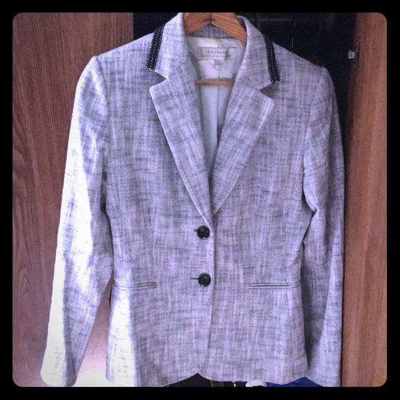 Tahari Jackets & Blazers - Tahari blazer